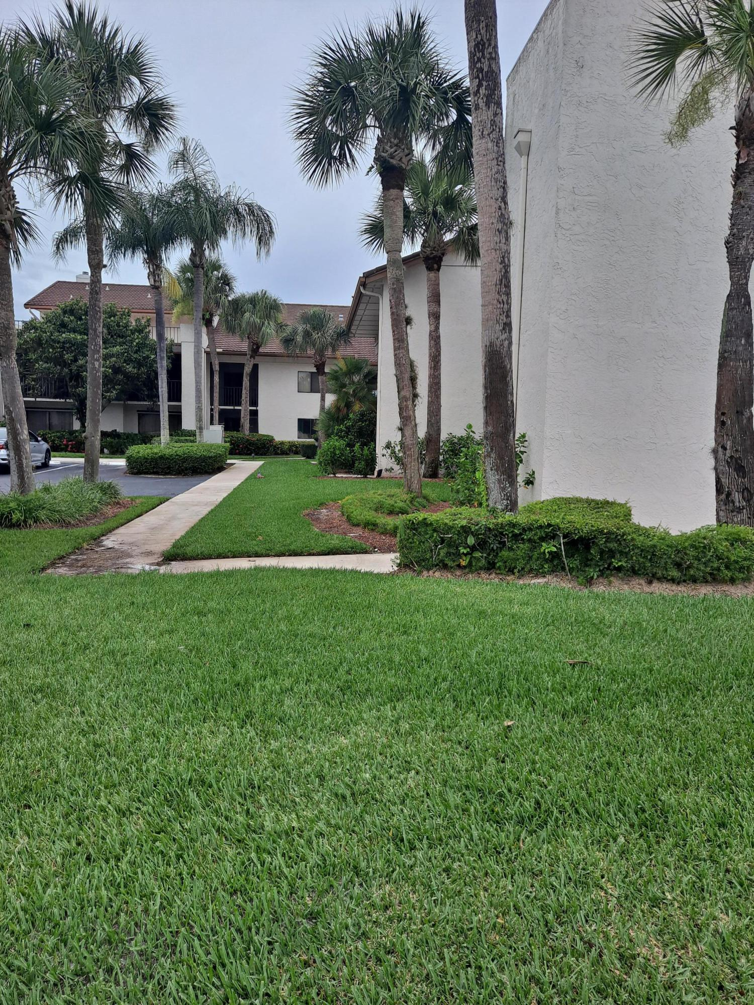 Details for 3500 Twin Lakes Terrace 202, Fort Pierce, FL 34950