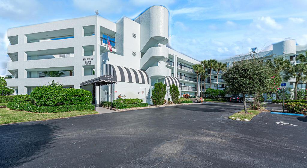 6698 10th Avenue 218 Lake Worth, FL 33467