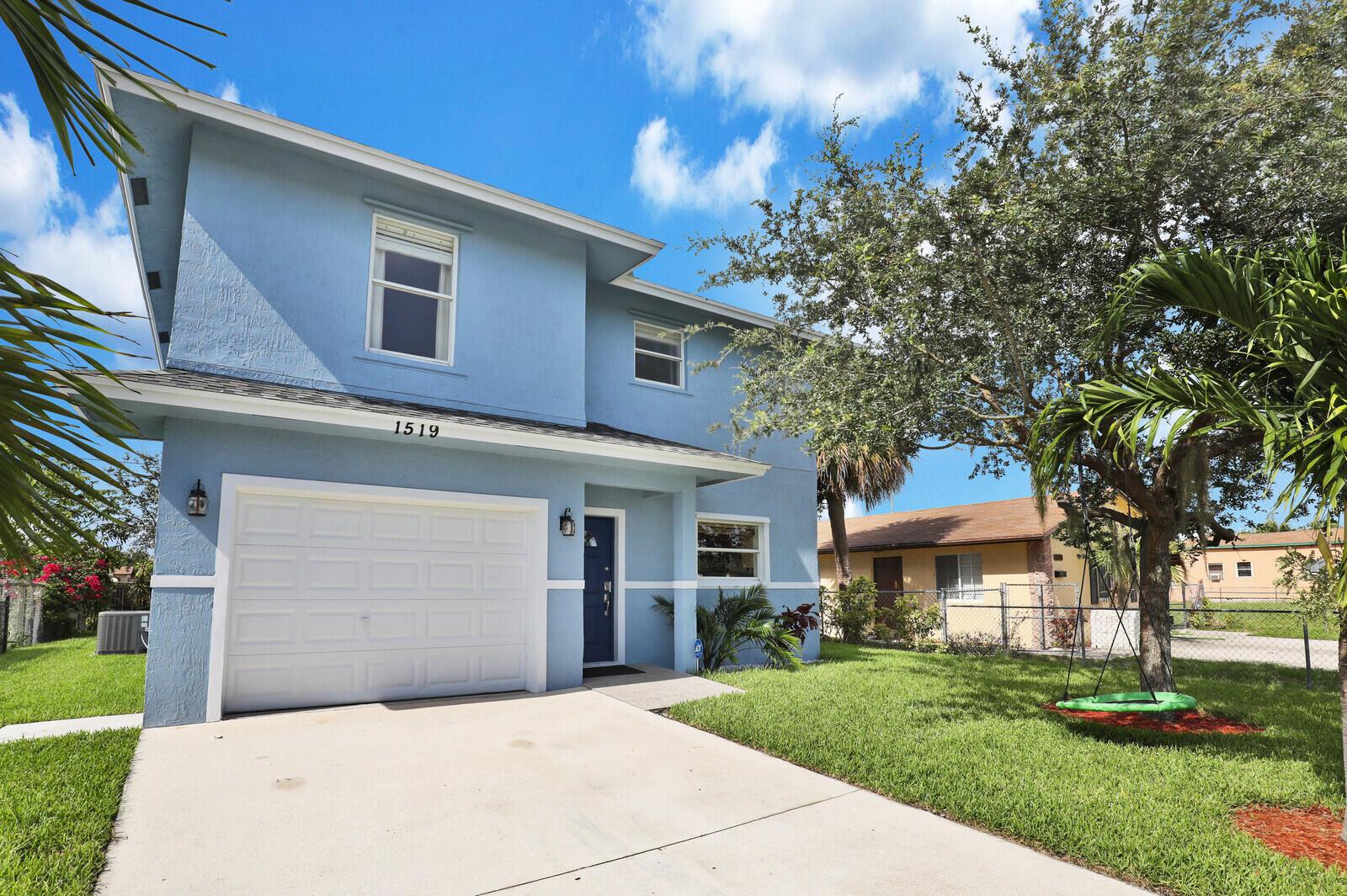 1519 W 17th Street  For Sale 10723947, FL