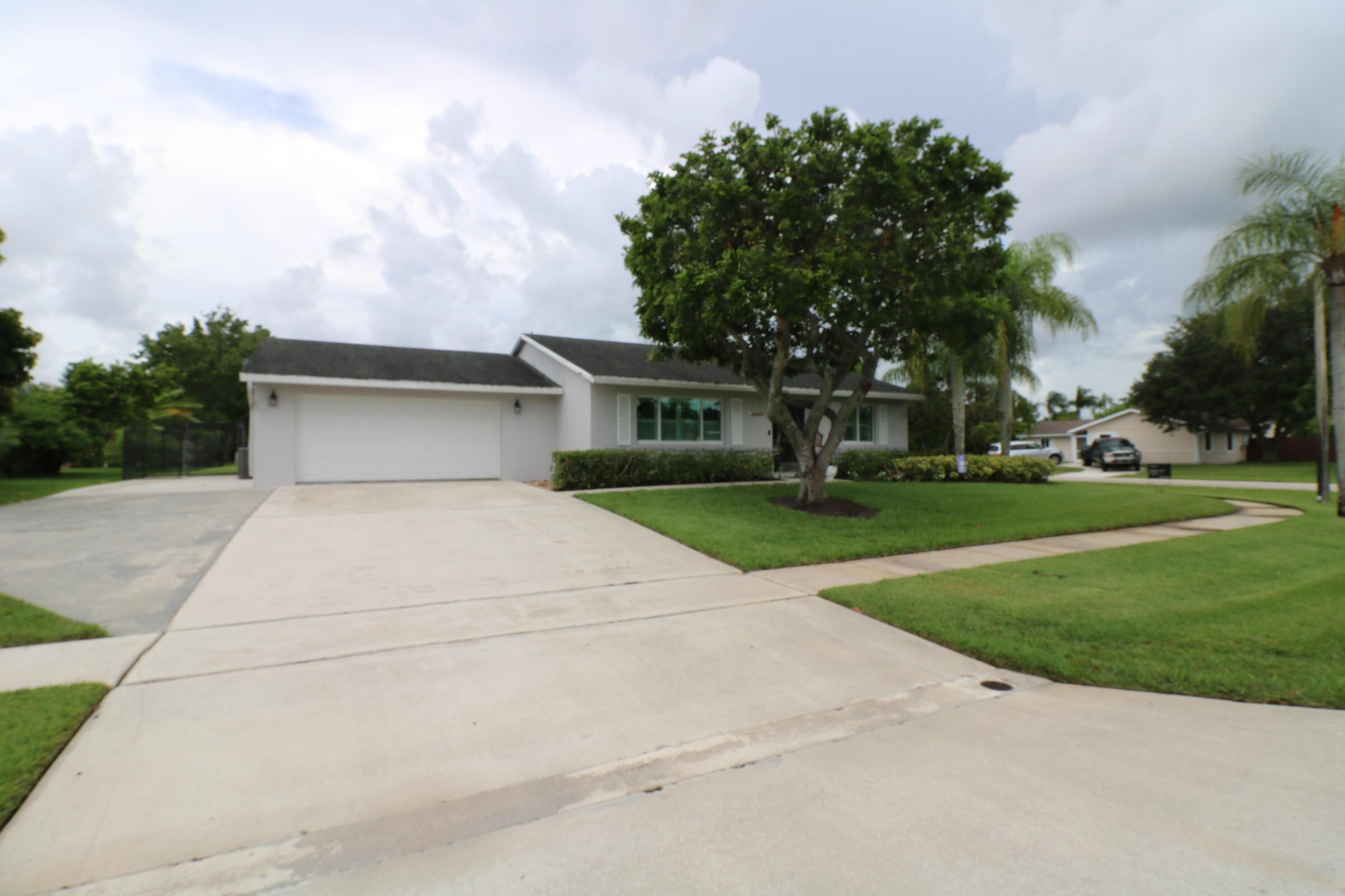 100 Almeria Street Royal Palm Beach, FL 33411