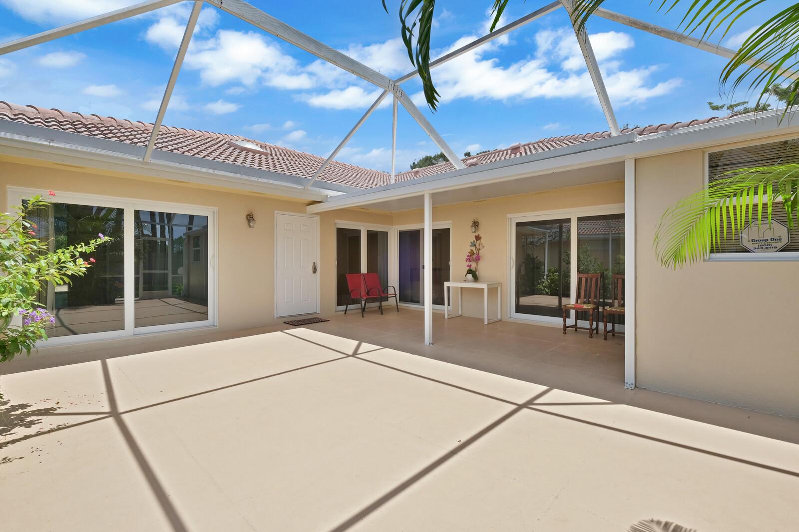 9124  Sun Terrace Circle D For Sale 10727844, FL