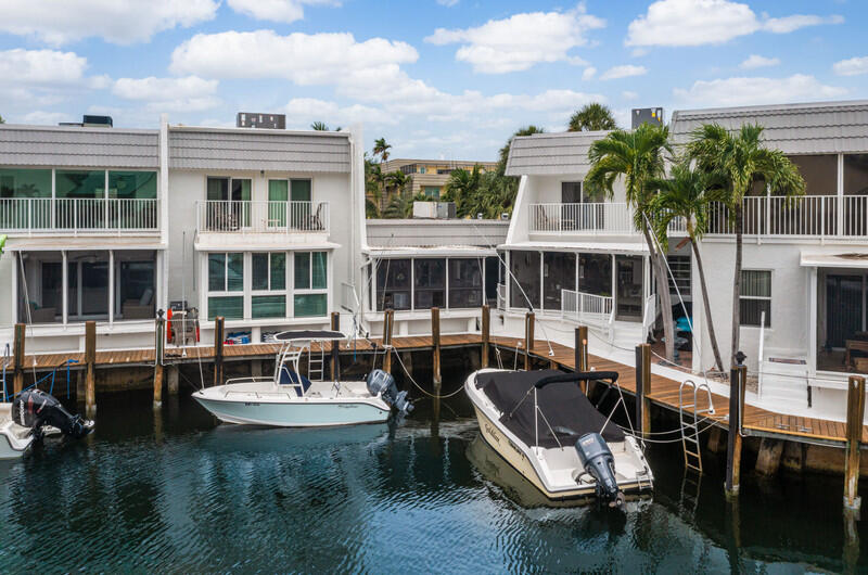 1112  Russell Drive  For Sale 10727576, FL