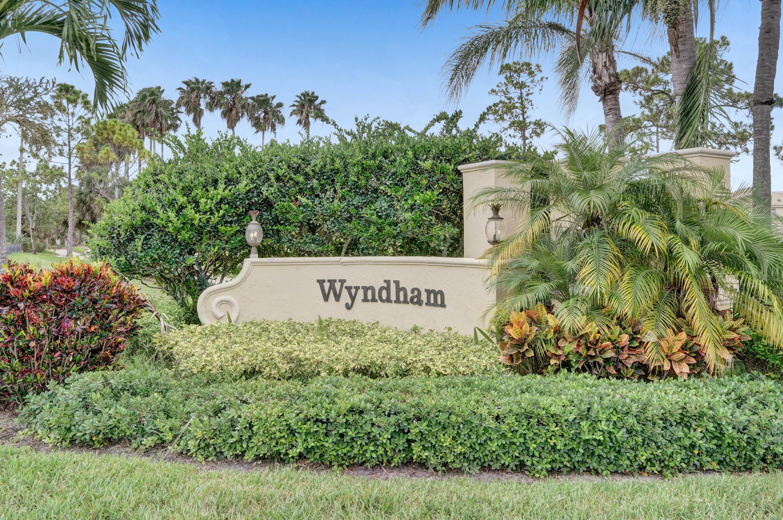 1168  Oakwater Drive  For Sale 10727983, FL