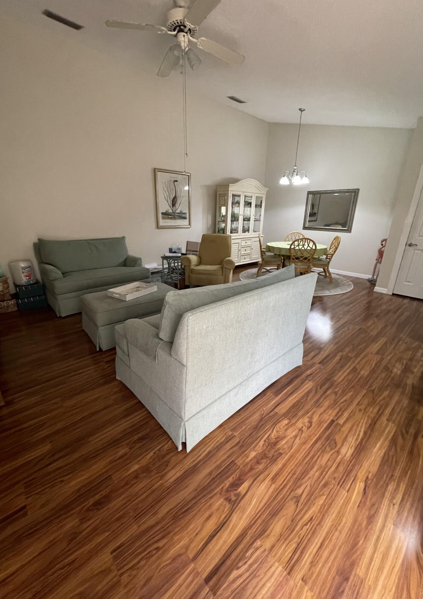 9157  Sun Terrace Circle C For Sale 10728010, FL