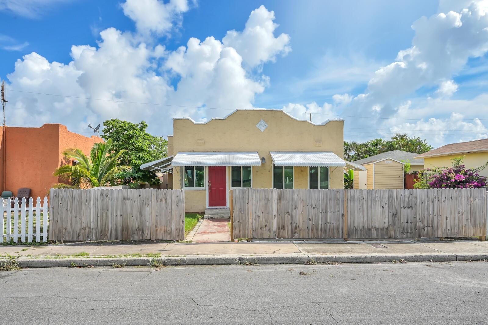 711 Mcintosh Street West Palm Beach, FL 33405