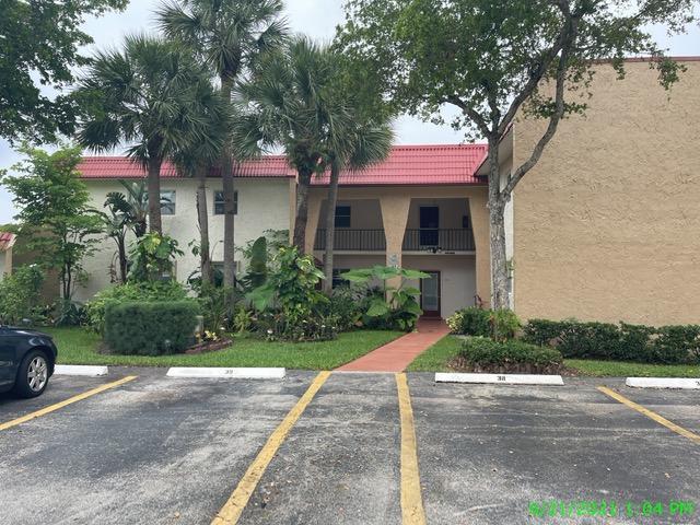 154 Lake Evelyn Drive West Palm Beach, FL 33411