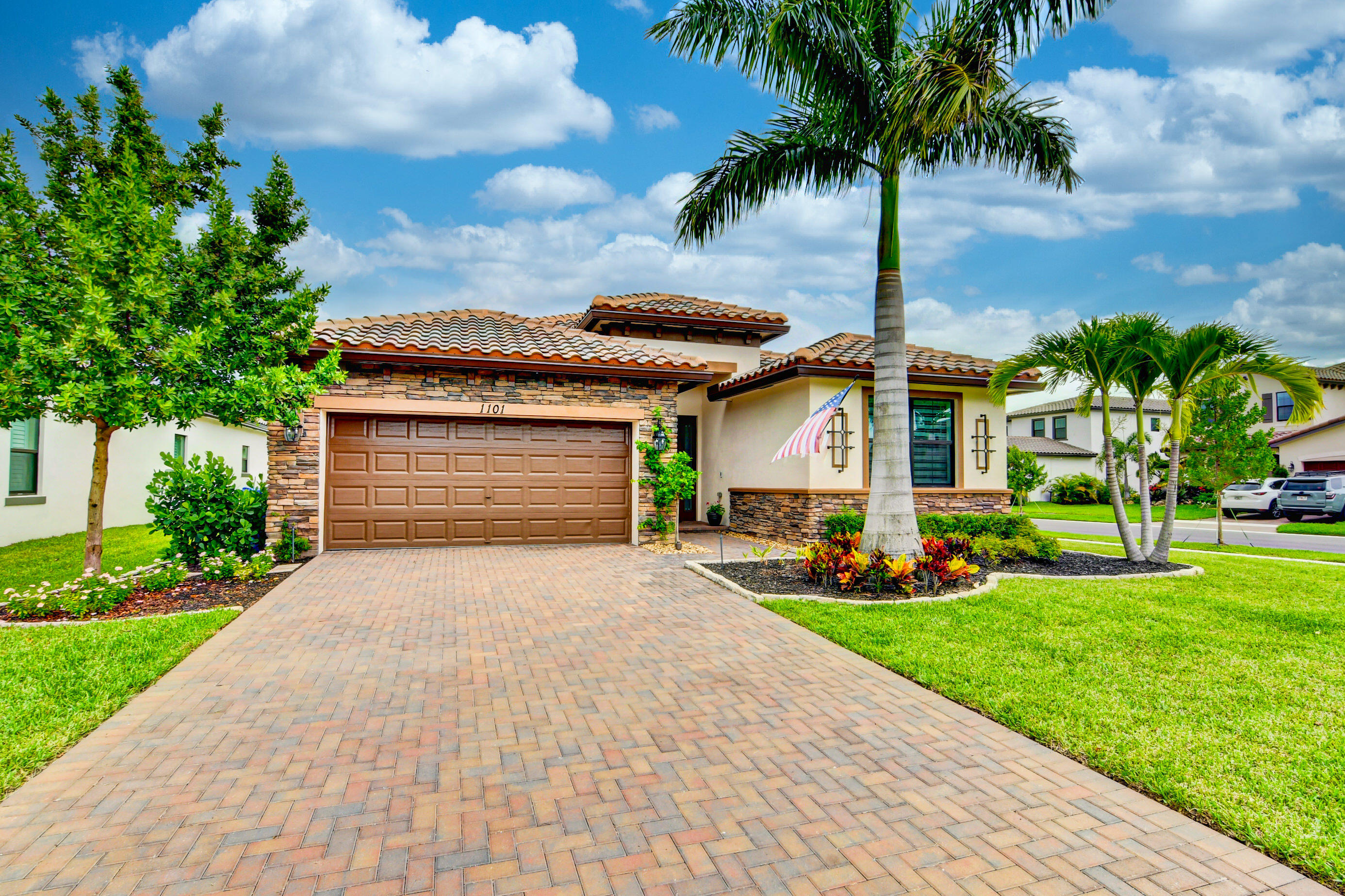 1101  Brinely Place  For Sale 10728340, FL