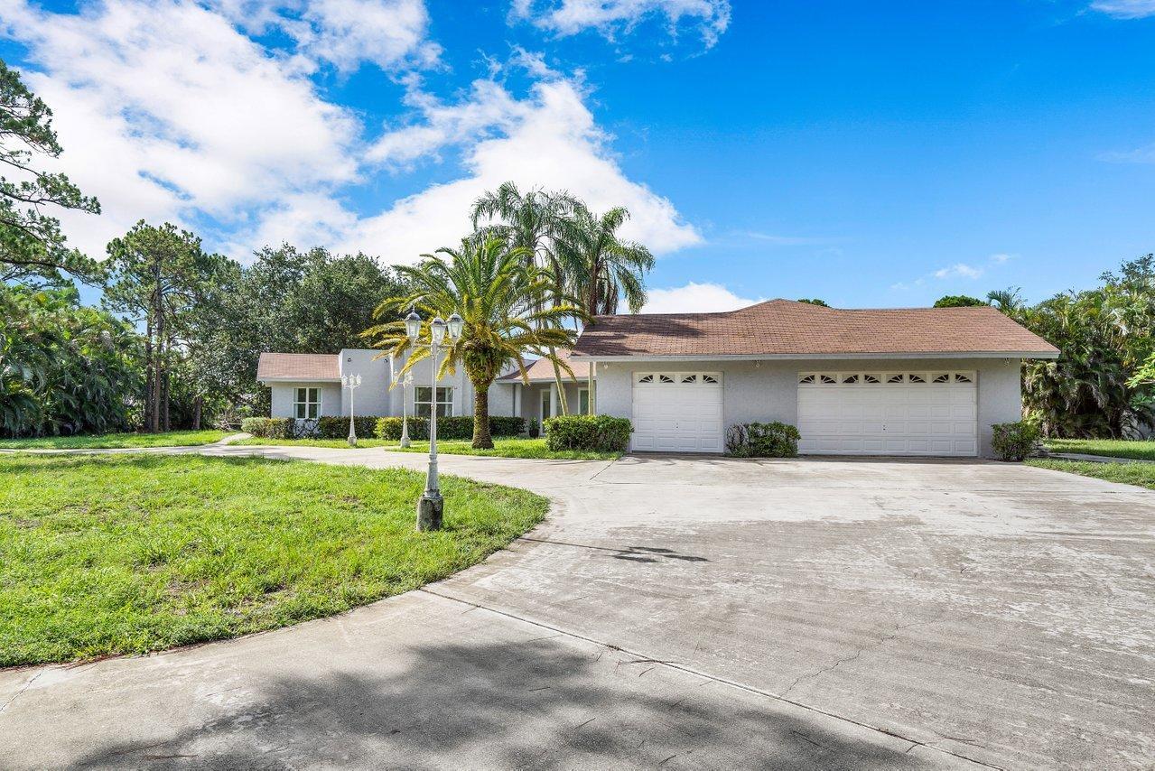 6077  Pineneedle Lane  For Sale 10723929, FL