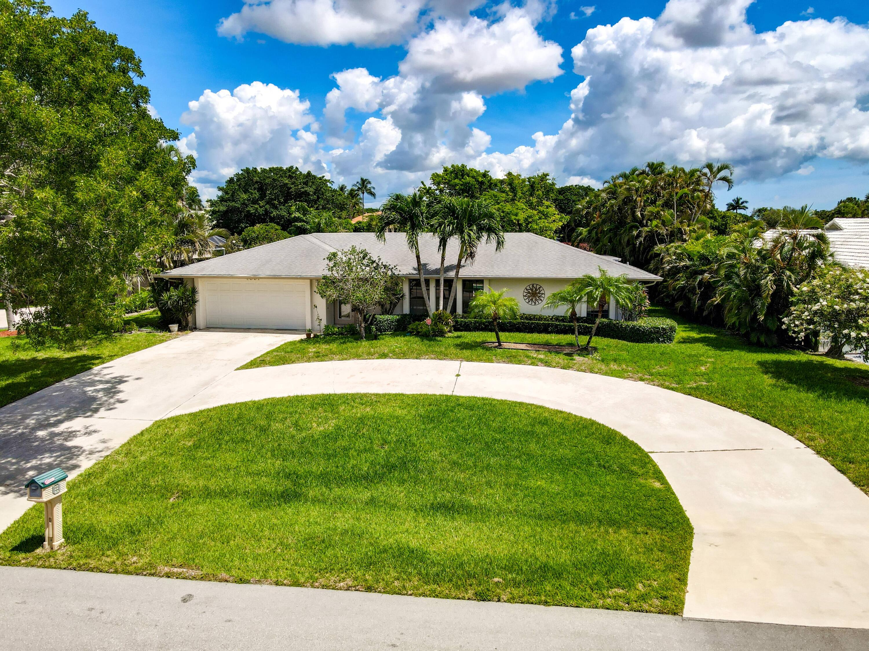 4857  Holly Drive  For Sale 10728497, FL
