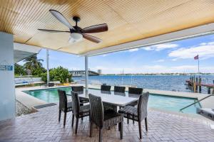 333 E 24th Street, Riviera Beach, FL 33404