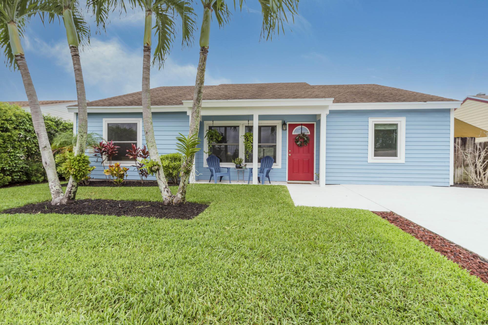 5246 Canal Circle Lake Worth, FL 33467