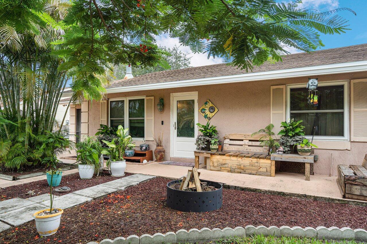7349 Cocoanut Drive Lake Worth, FL 33467