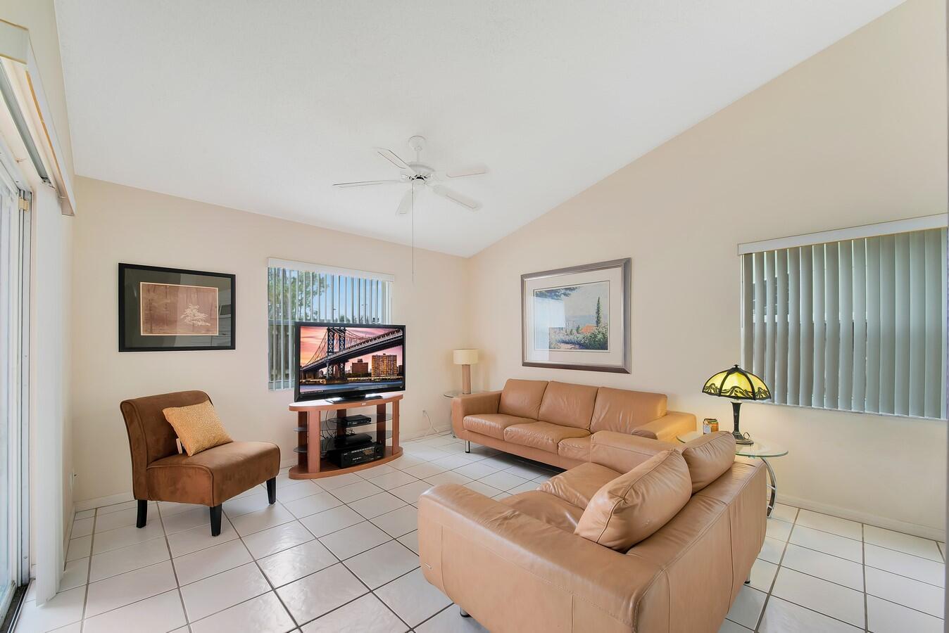 156 Heatherwood Drive Royal Palm Beach, FL 33411 photo 17