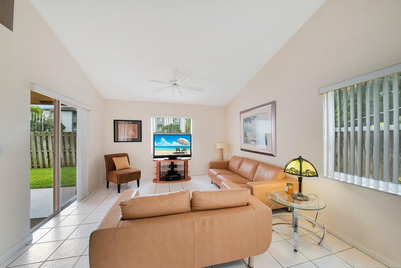 156 Heatherwood Drive Royal Palm Beach, FL 33411 photo 20