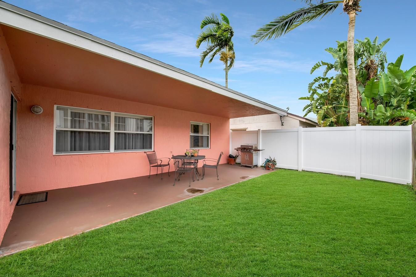 156 Heatherwood Drive Royal Palm Beach, FL 33411 photo 31