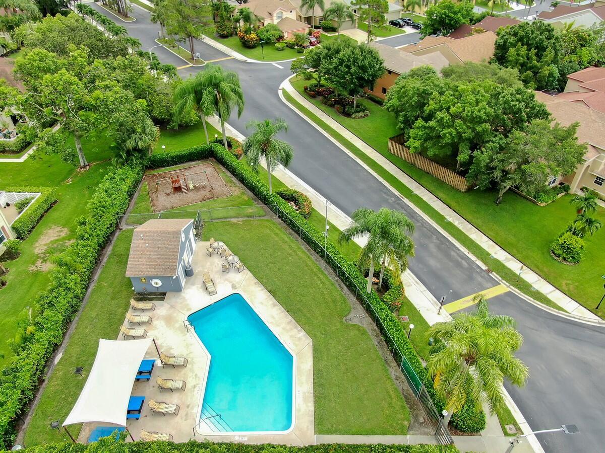 156 Heatherwood Drive Royal Palm Beach, FL 33411 photo 37