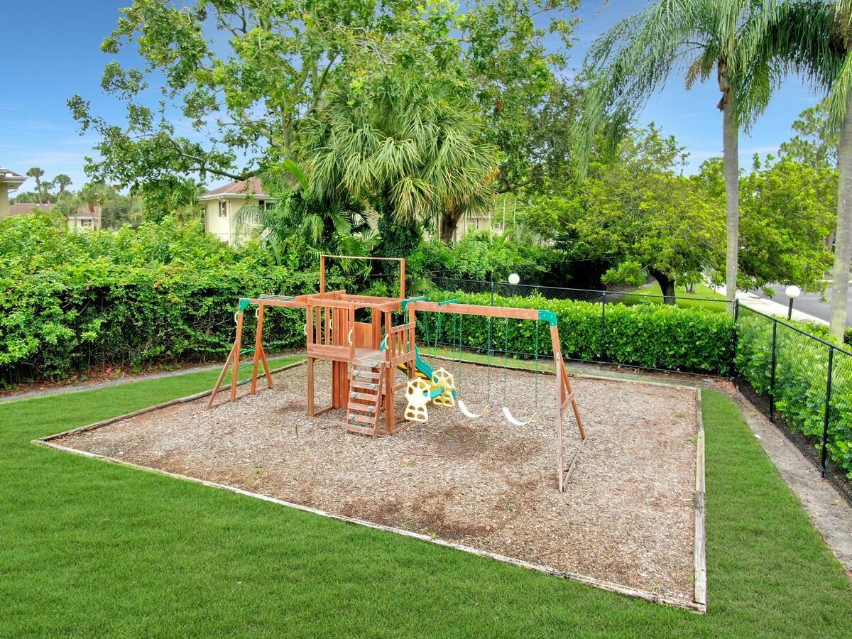 156 Heatherwood Drive Royal Palm Beach, FL 33411 photo 39