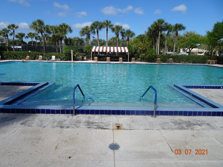 3417 34th Way West Palm Beach, FL 33407 photo 3