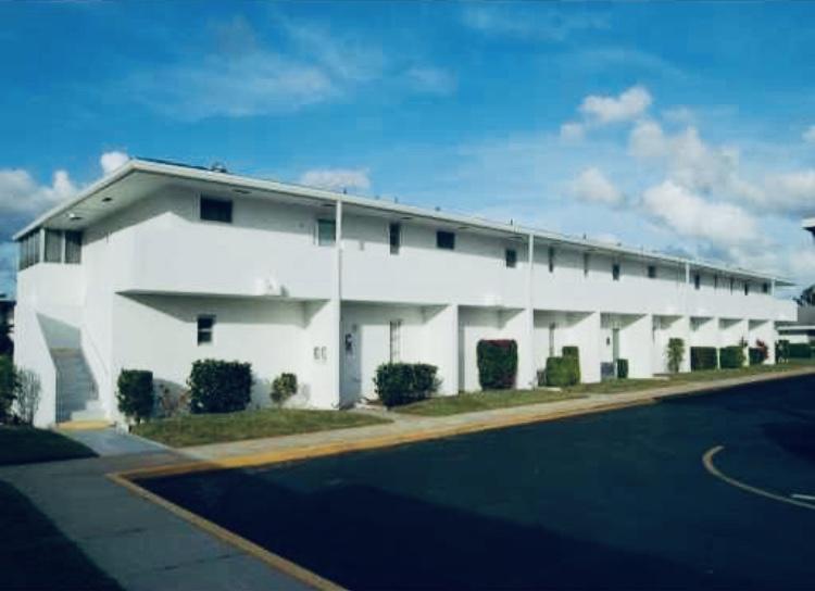 68 East Court  Royal Palm Beach FL 33411