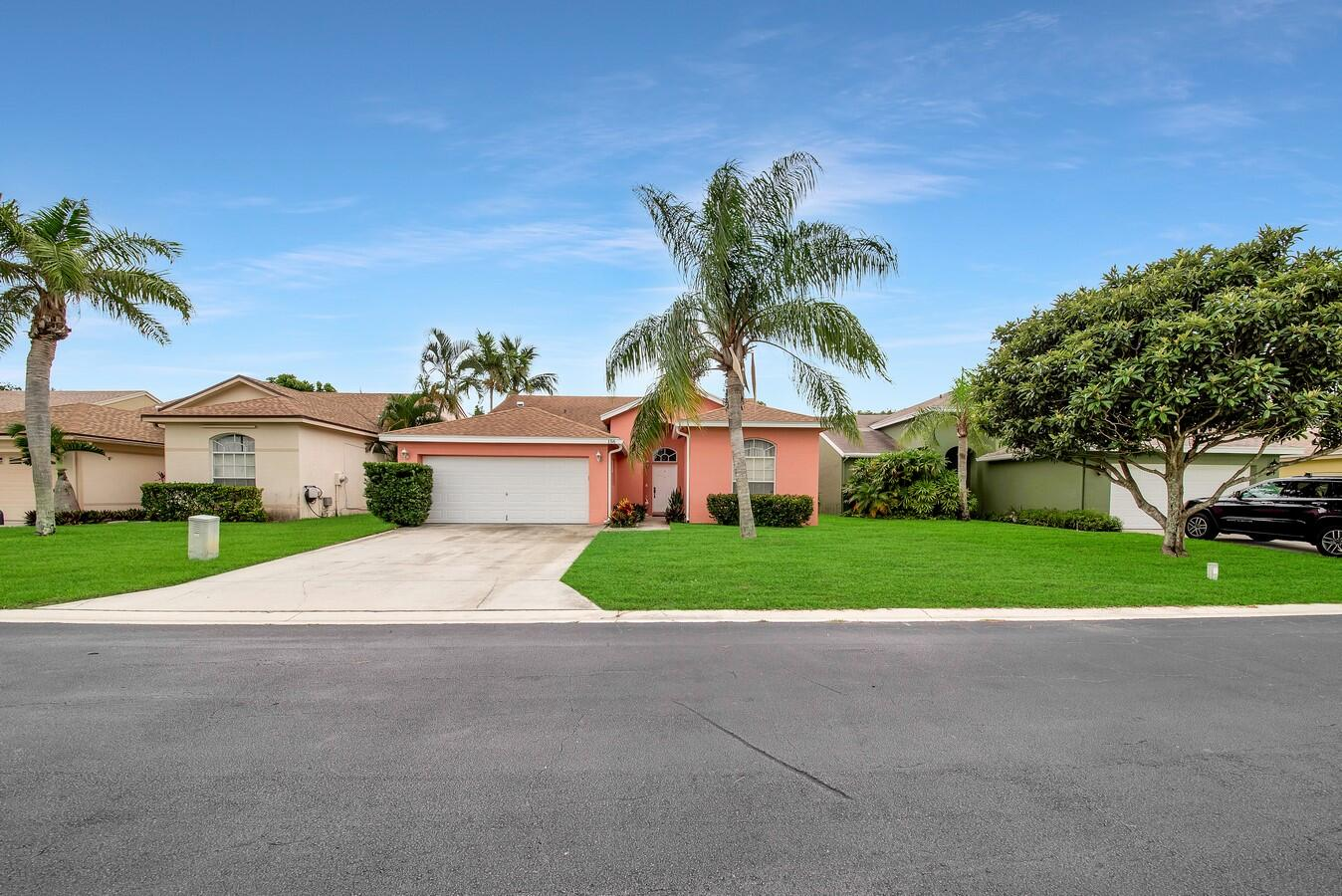 156 Heatherwood Drive Royal Palm Beach, FL 33411 photo 34