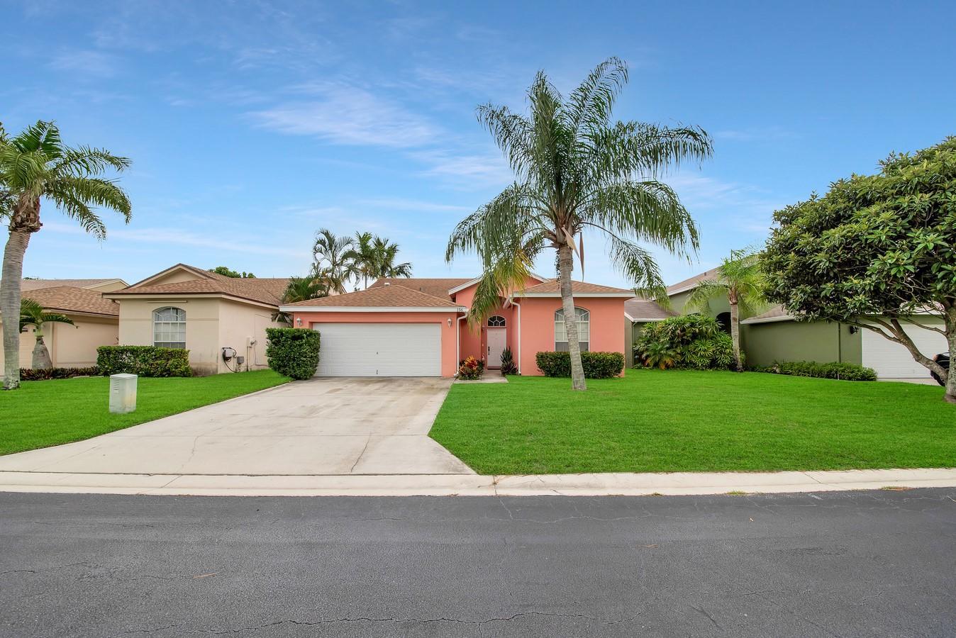 156 Heatherwood Drive Royal Palm Beach, FL 33411 photo 35