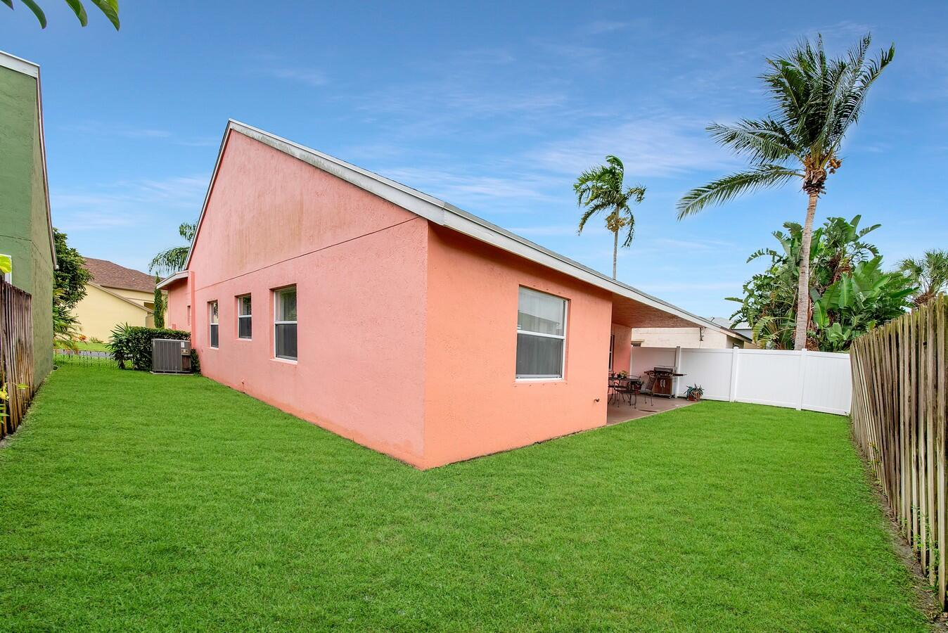 156 Heatherwood Drive Royal Palm Beach, FL 33411 photo 32
