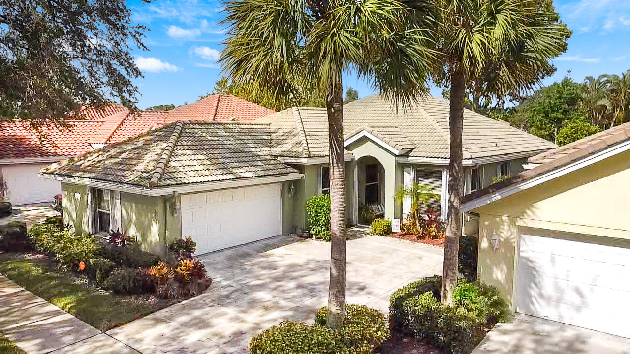 250  Hampton Place  For Sale 10730250, FL