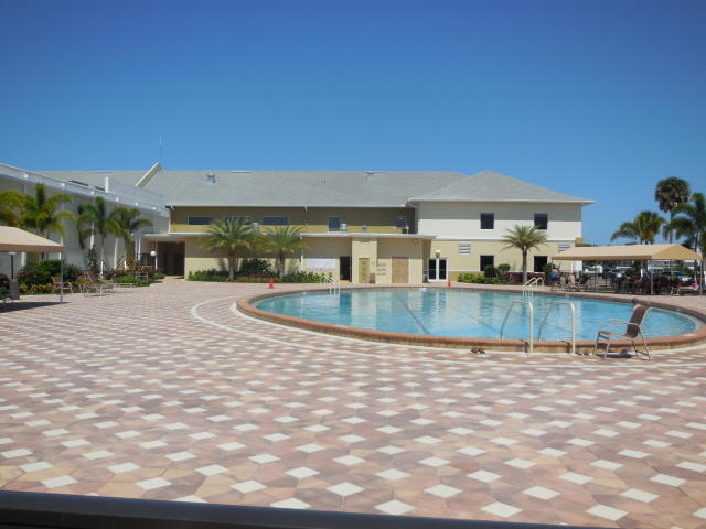 CLUBHOUSE POOL - Copy (2)