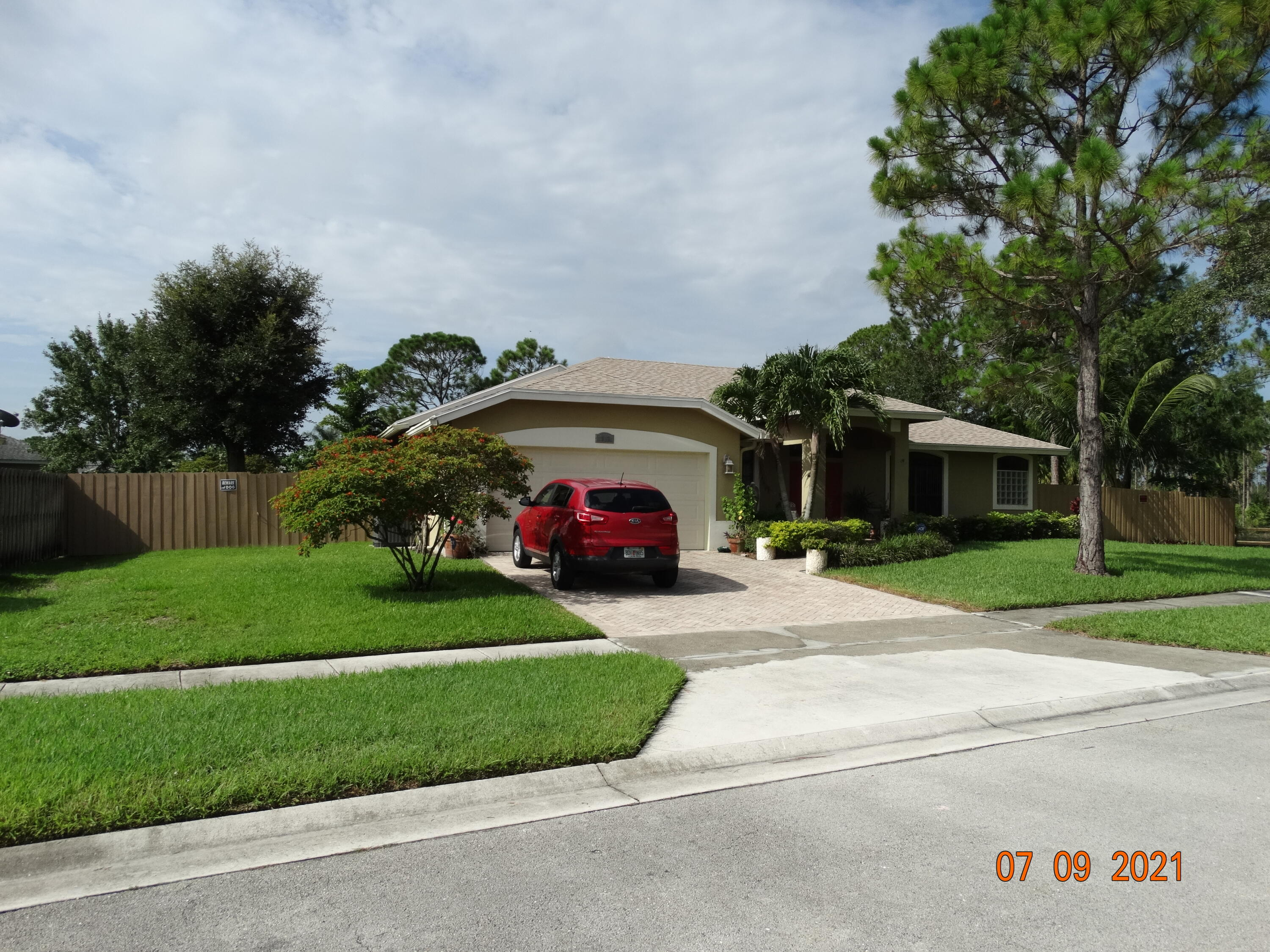 107  Natures Way  For Sale 10730239, FL