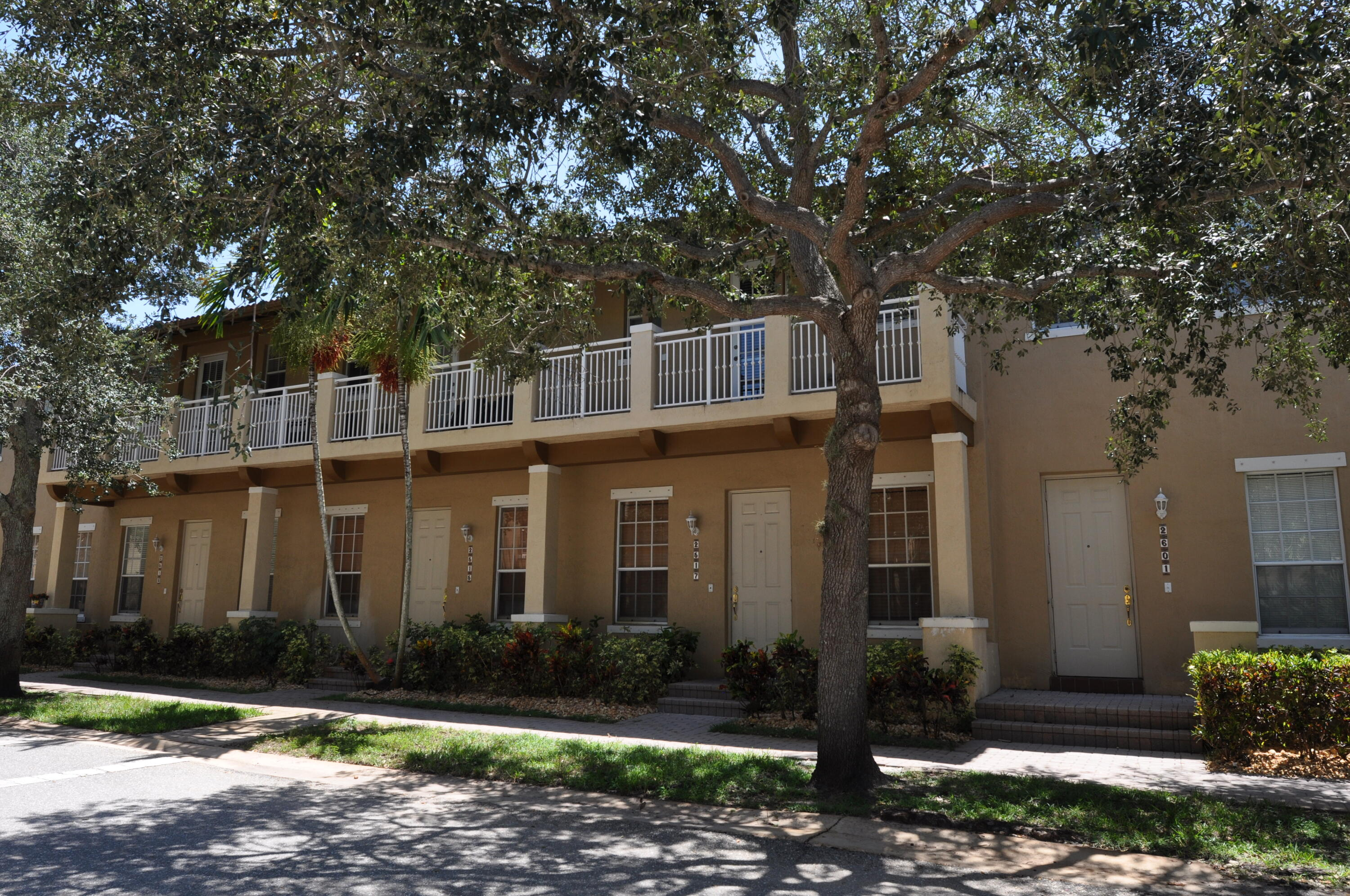2517 NW 7th Street  For Sale 10727820, FL
