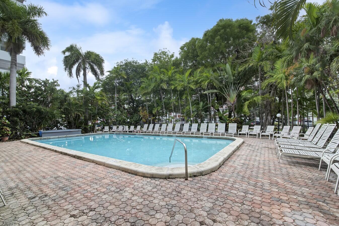 3545 NE 166th Street 408 North Miami Beach, FL 33160 photo 27
