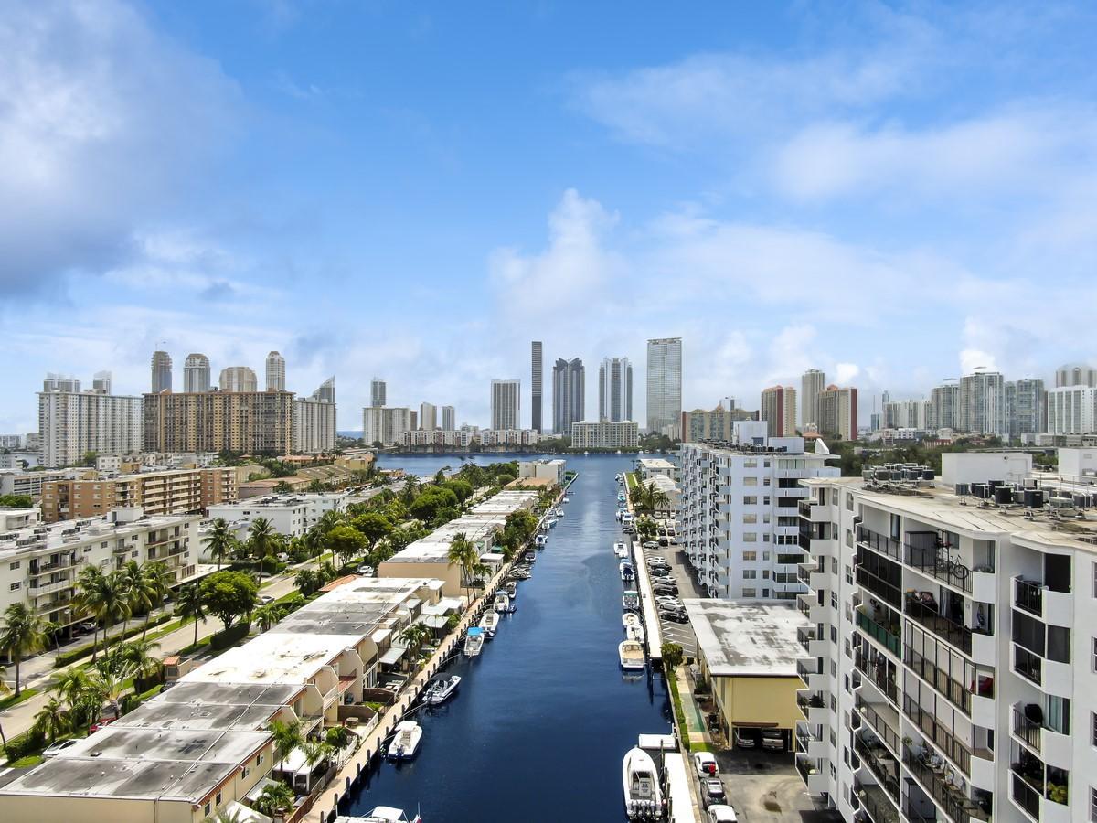 3545 NE 166th Street 408 North Miami Beach, FL 33160 photo 28