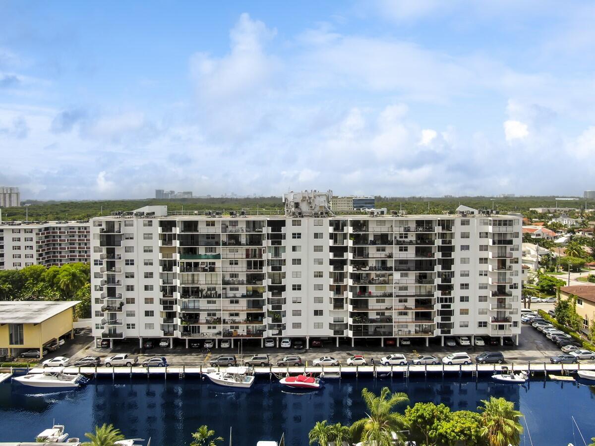 3545 NE 166th Street 408 North Miami Beach, FL 33160 photo 30