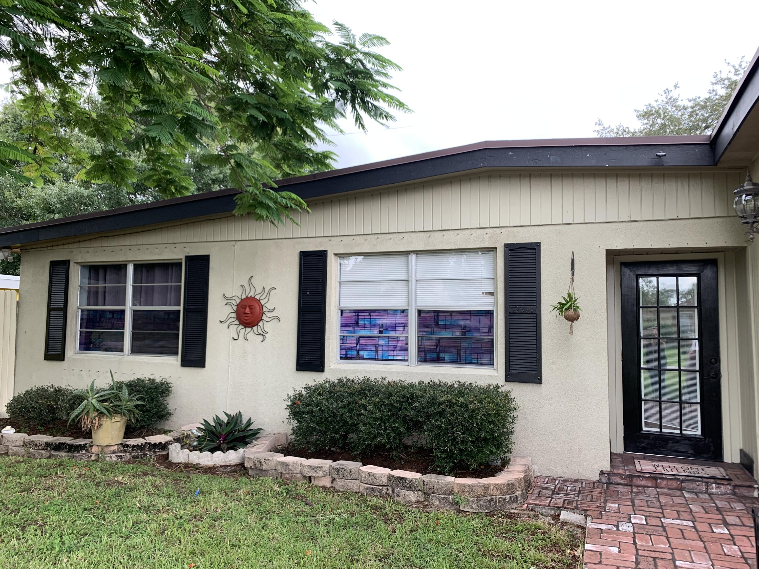 835  Hibiscus Drive  For Sale 10730443, FL