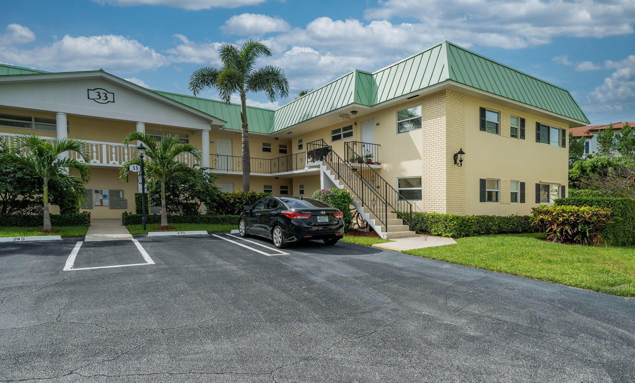 33 Colonial Club Drive 104 Boynton Beach, FL 33435