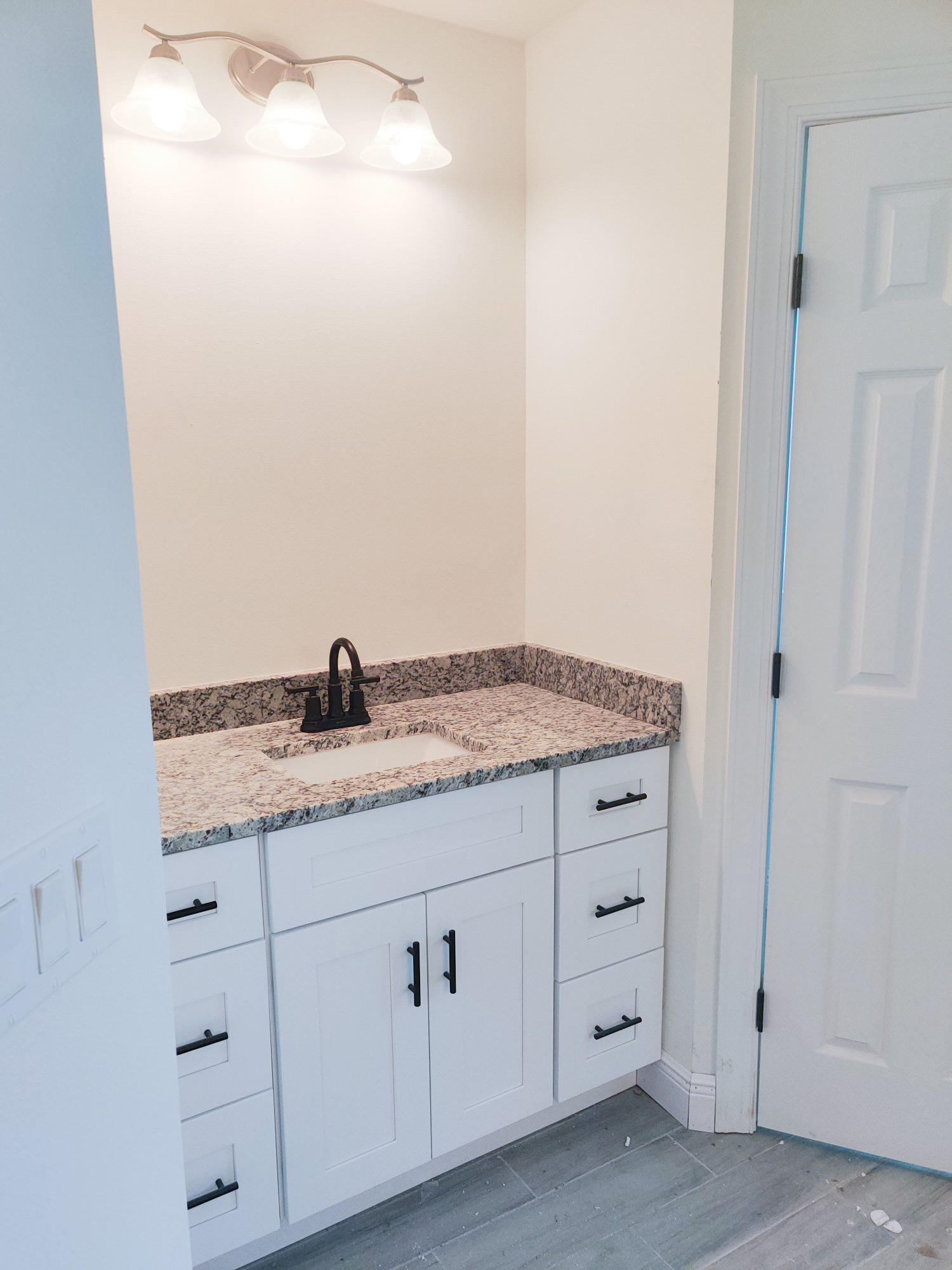 Listing photo id 43 for 1538 Abacus Avenue Sw