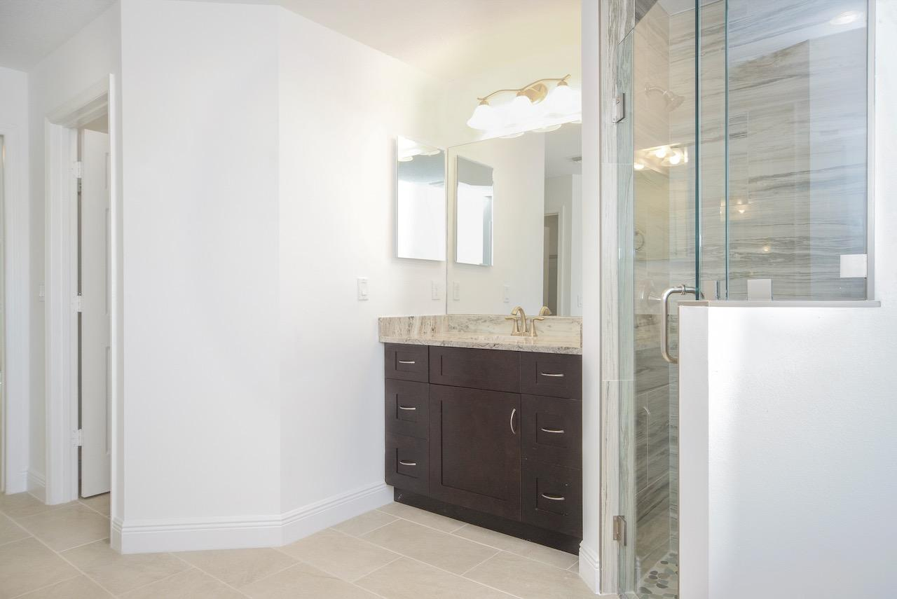 Listing photo id 46 for 1538 Abacus Avenue Sw