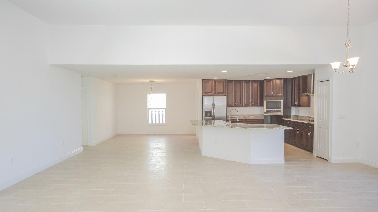 Listing photo id 39 for 2219 Salmon Road Sw