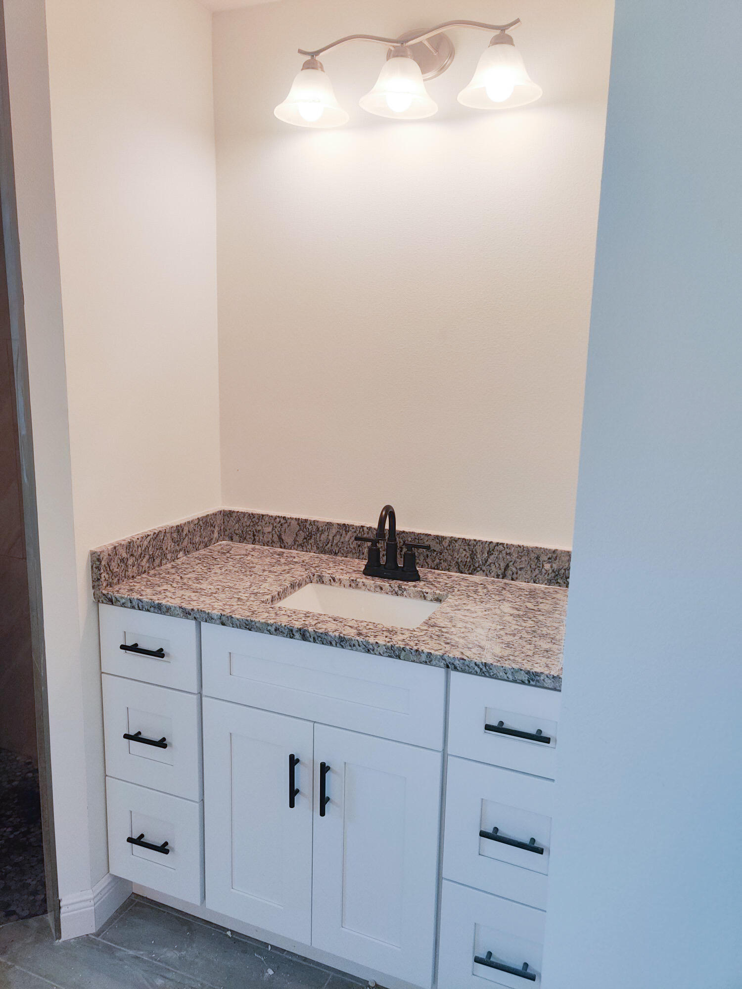 Listing photo id 49 for 2219 Salmon Road Sw