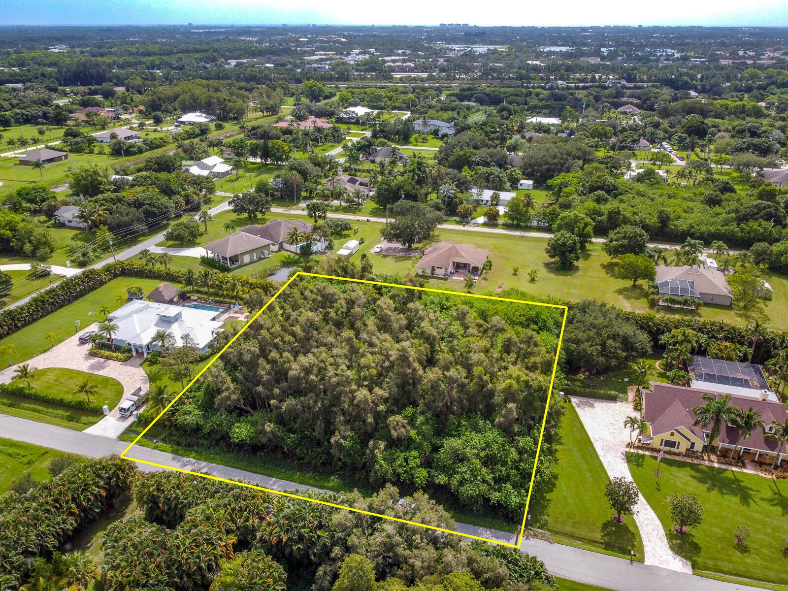 16672 77th Trail Palm Beach Gardens, FL 33418