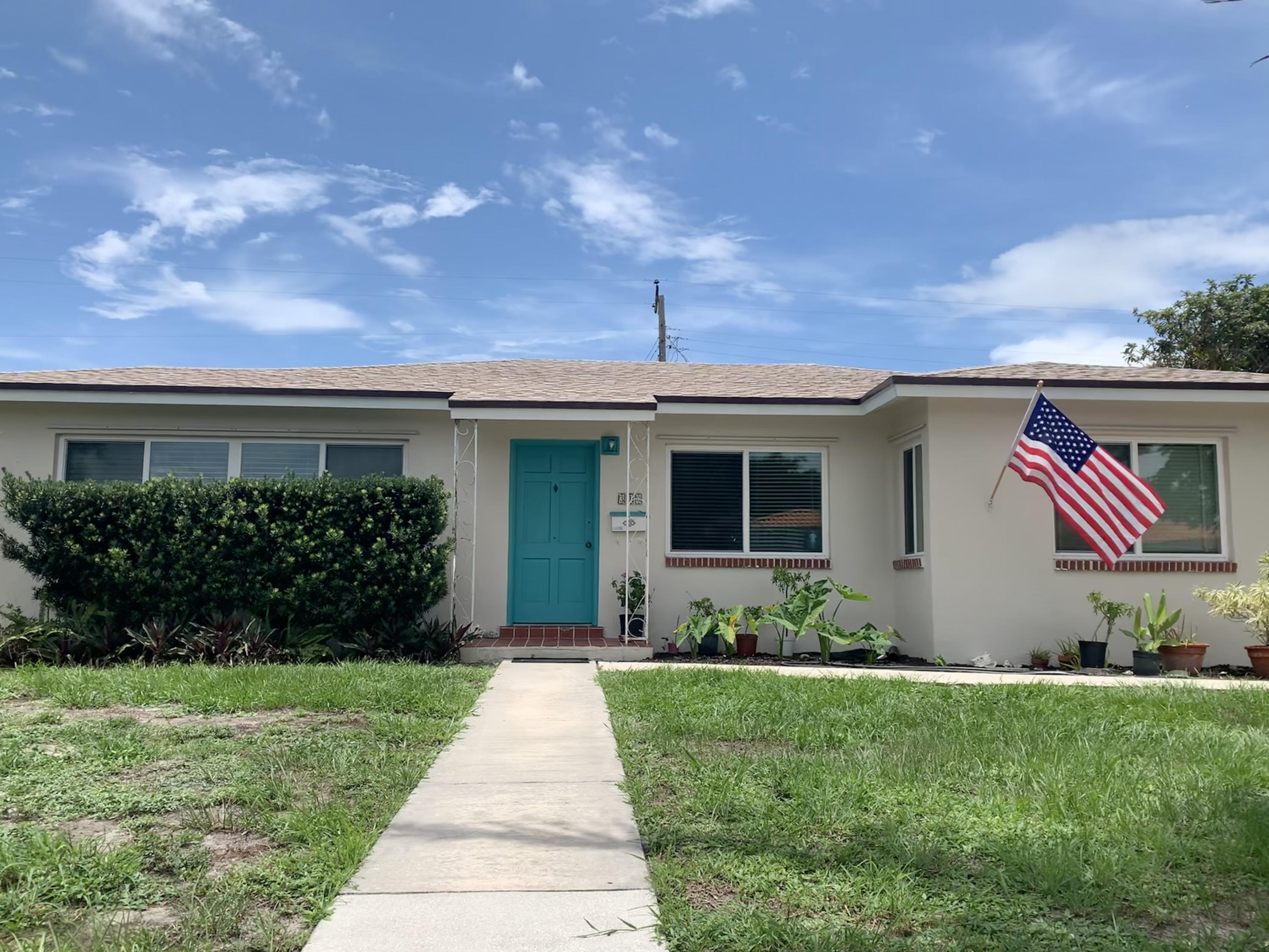 Home for sale in Southend 'SoSo' Neighborhood.(South of Southern) West Palm Beach Florida