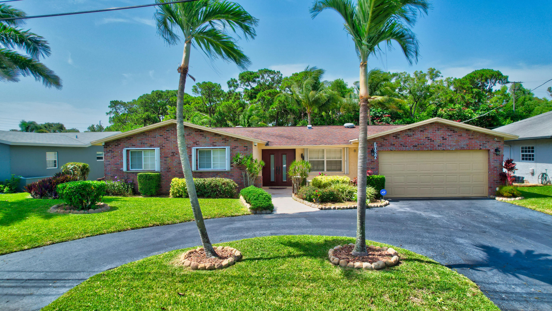 1086 SW 28th Avenue  For Sale 10730940, FL