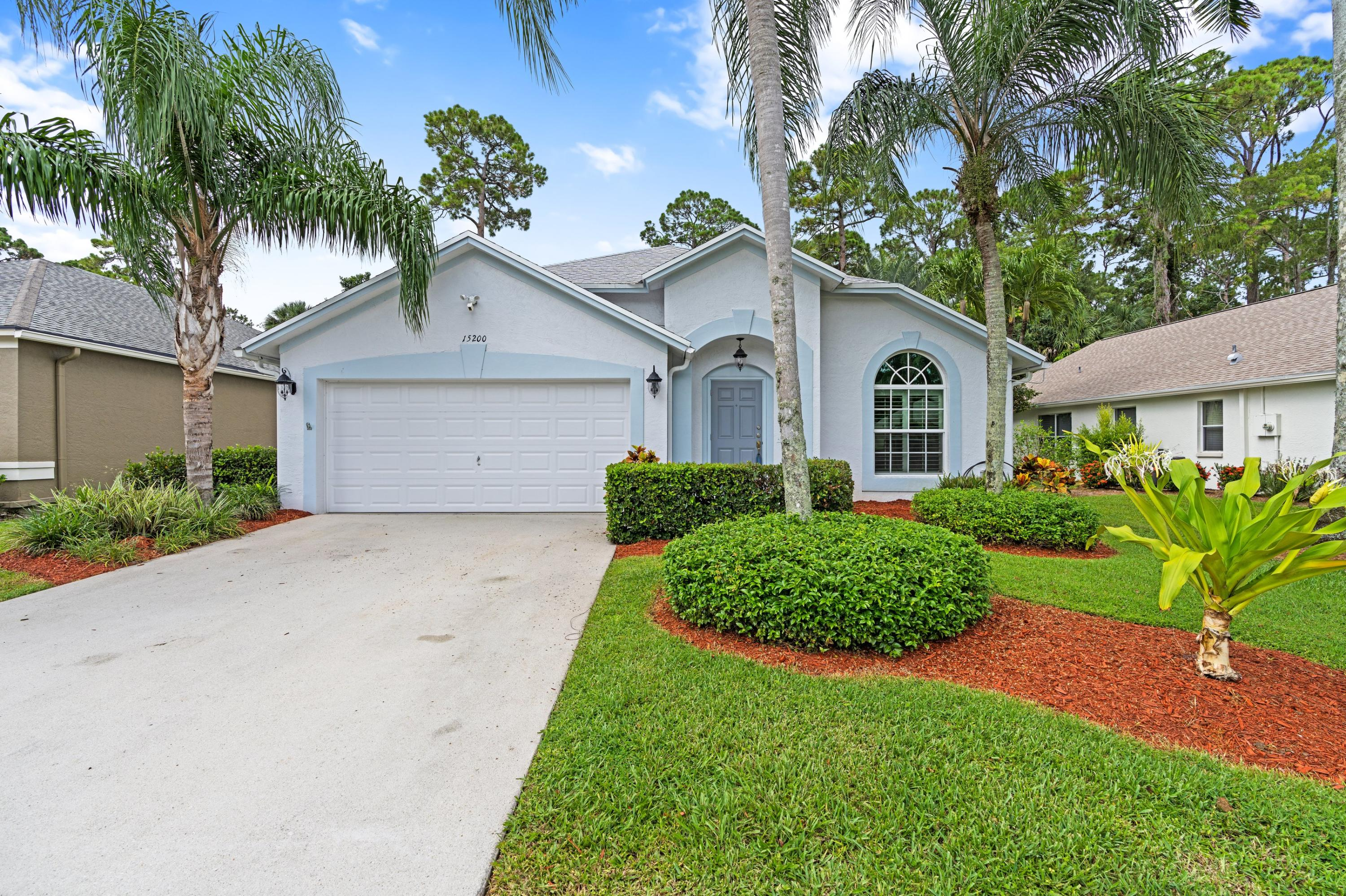 15200  Oak Chase Court Court  For Sale 10730932, FL