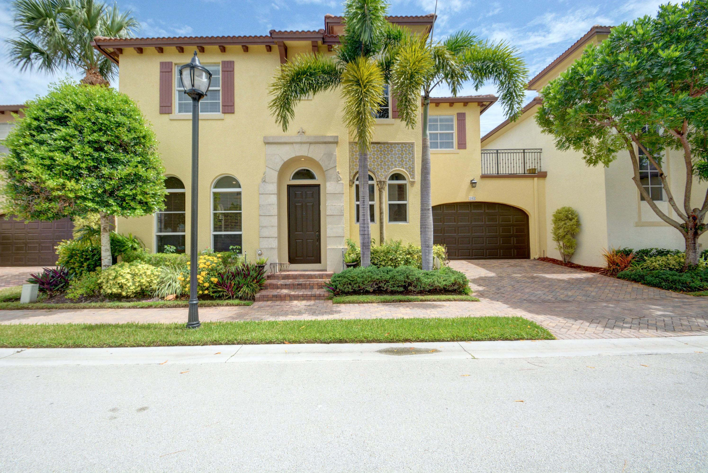 103  Via Poinciana Lane  For Sale 10731286, FL