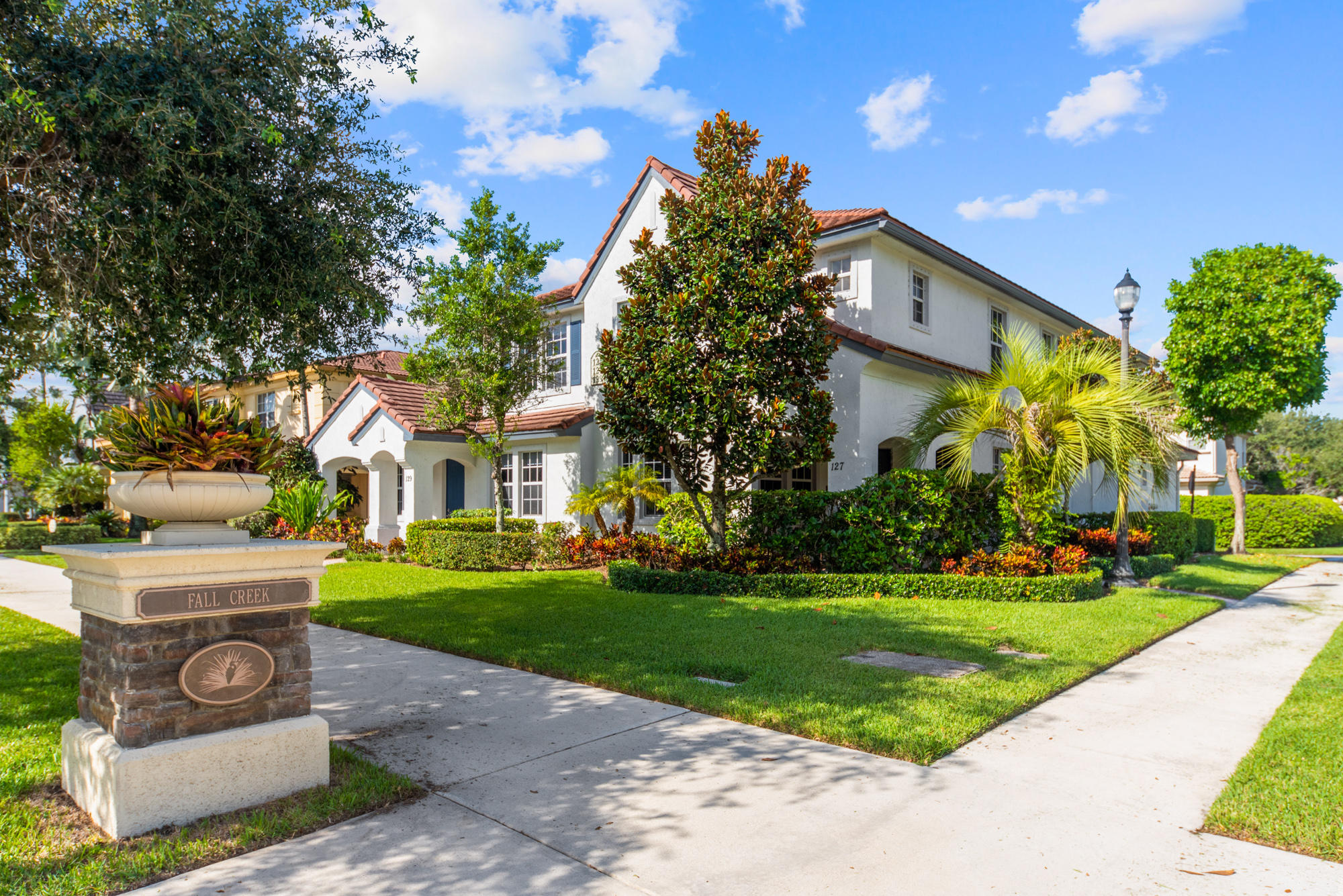 125  Evergrene Parkway  For Sale 10731382, FL