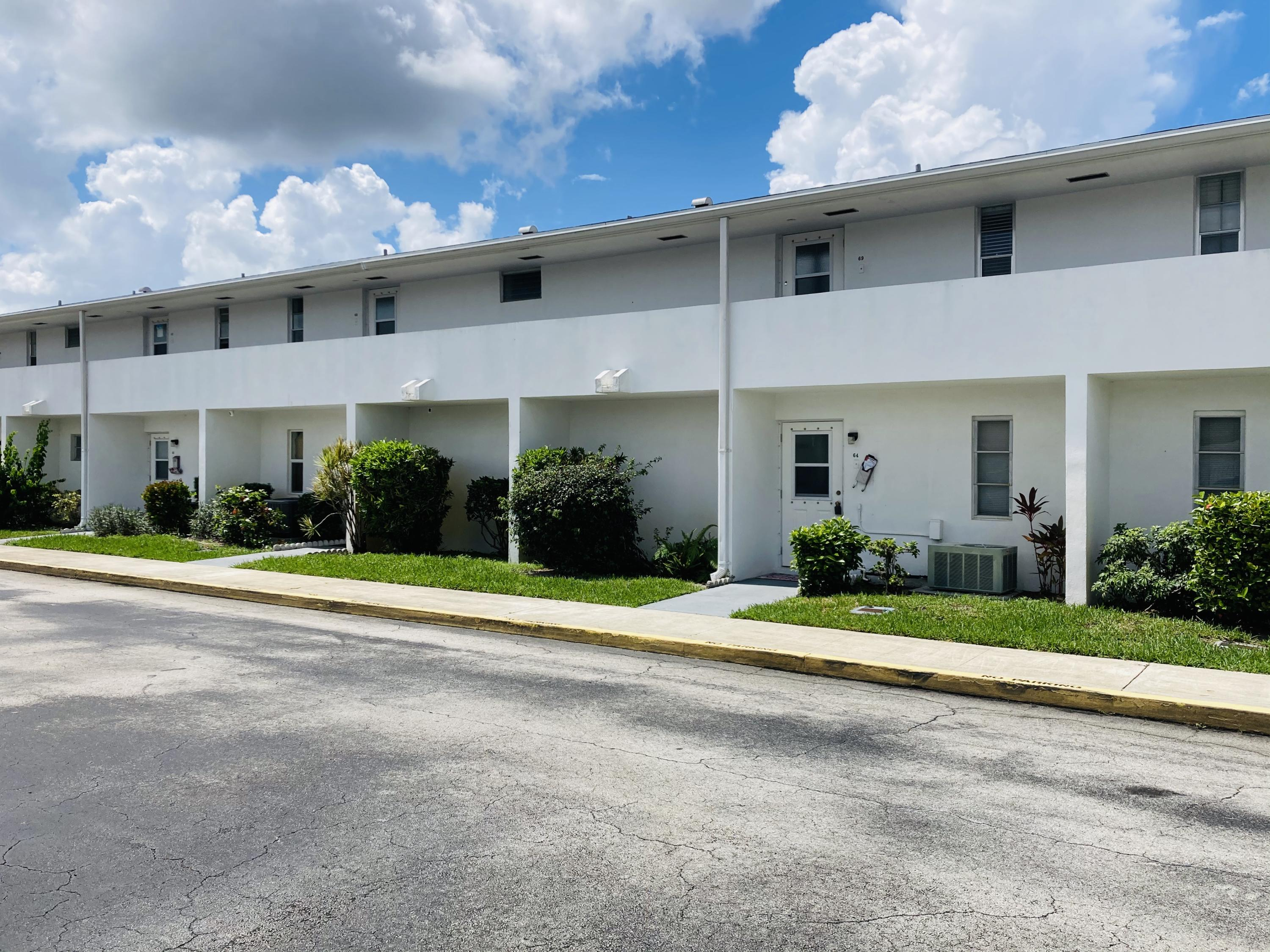 68  East Court  For Sale 10729775, FL