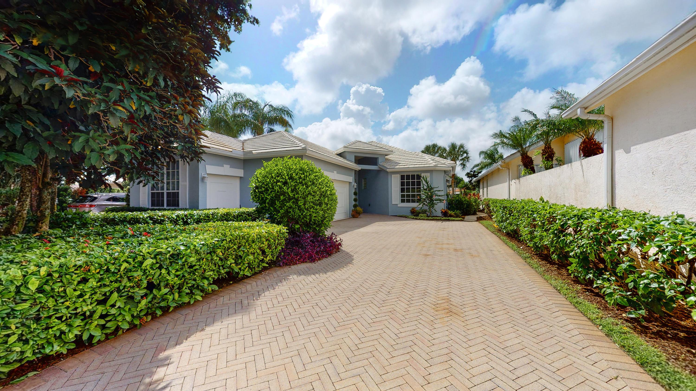 122  Victoria Bay Court  For Sale 10731619, FL