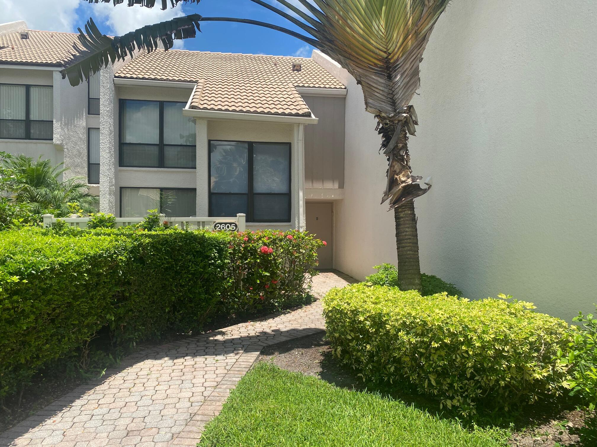 2605  Bridgewood Drive  For Sale 10731821, FL