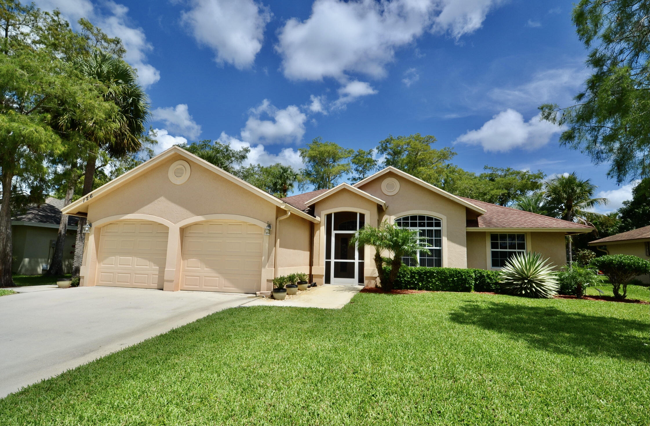126 Kings Way  Royal Palm Beach FL 33411