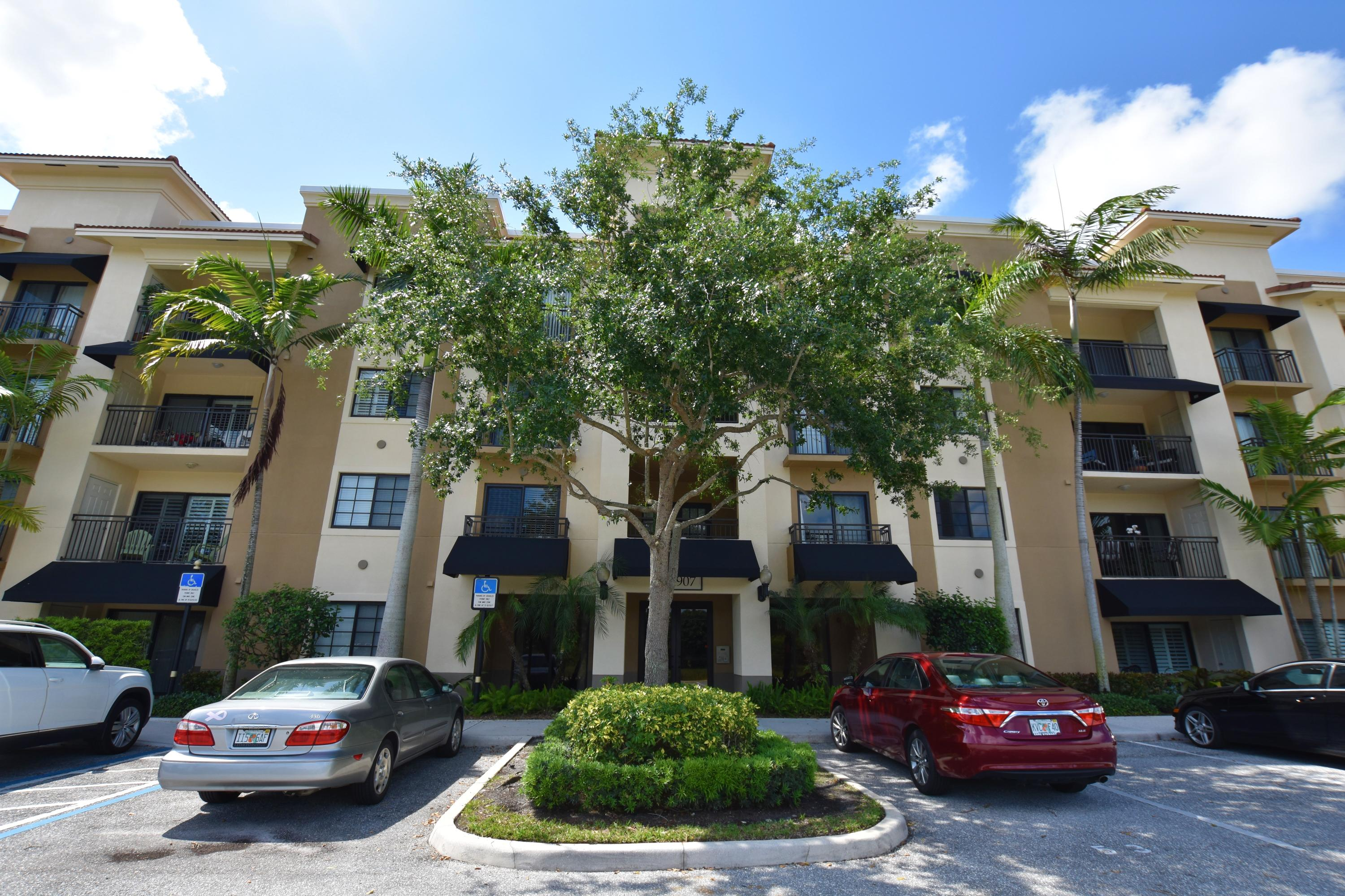 Available from Sept. 7th. Luxury 1/1 condominium on 3rd floor in desirable gated Residence At Midtown. Secure building entrance. Open Kitchen to living room, dining area and private balcony with storage and garden view. Kitchen has granite counter tops, stainless steel appliances. Other upgrades are: crown moldings, hurricane impact window, large washer and dryer inside. Resort style living, swimming pool w/ spa, modern clubhouse w/ gym, media/ business center, kitchen, manager on site. Conveniently located in the middle of upscale dining, shopping, festivals...Minutes to Turnpike, I-95, ocean...